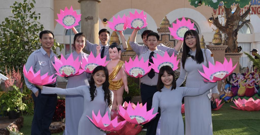Toả Ánh Từ Quang – Phật Đản San Jose